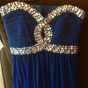 Size 9 - Formal/Prom full length dress